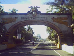 Gateway to Southern Luzon by ianlopez1115 (fr Flickr) under CC BY 2.0
