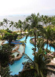 Pool at Hotel Sofitel Manila