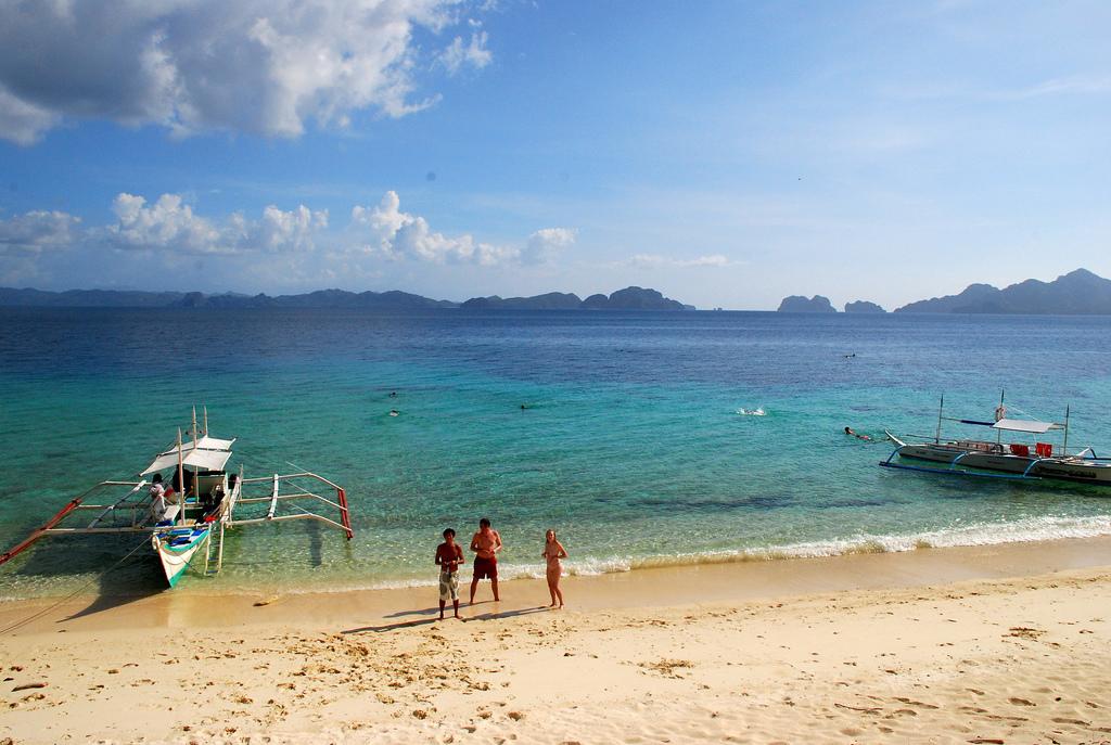 A beautiful deserted beach in Bacuit Island