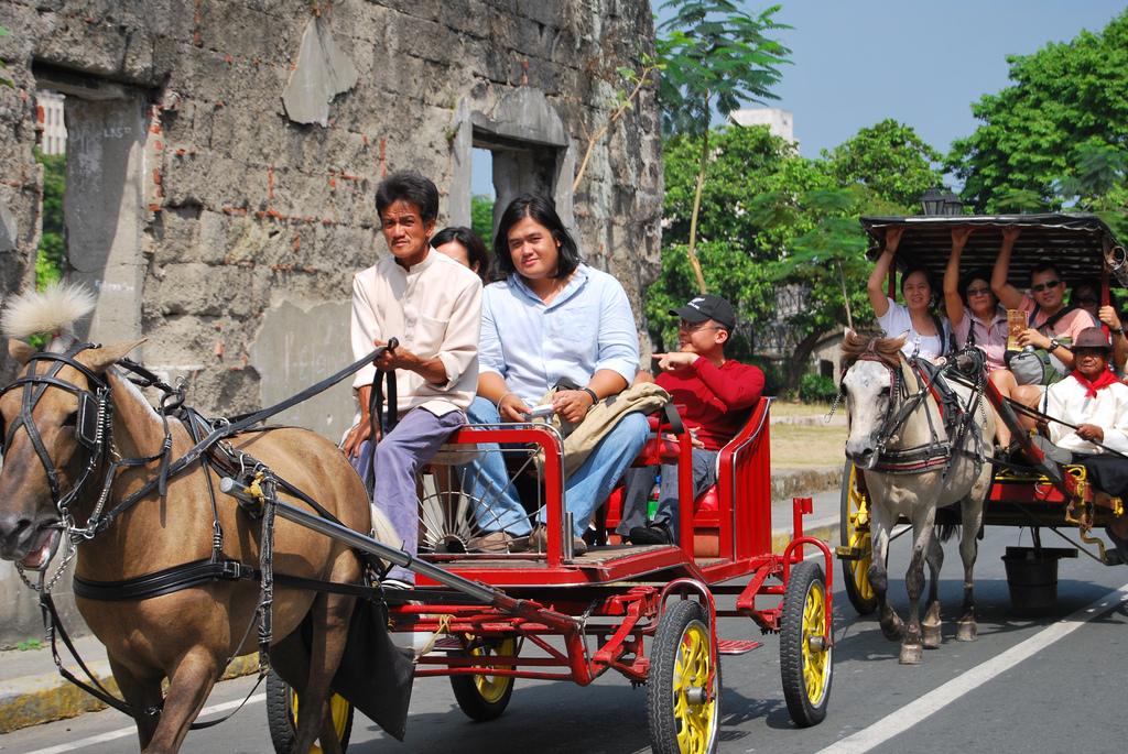 Kalesa Ride by Carol Joan Estrosas/Creative Commons