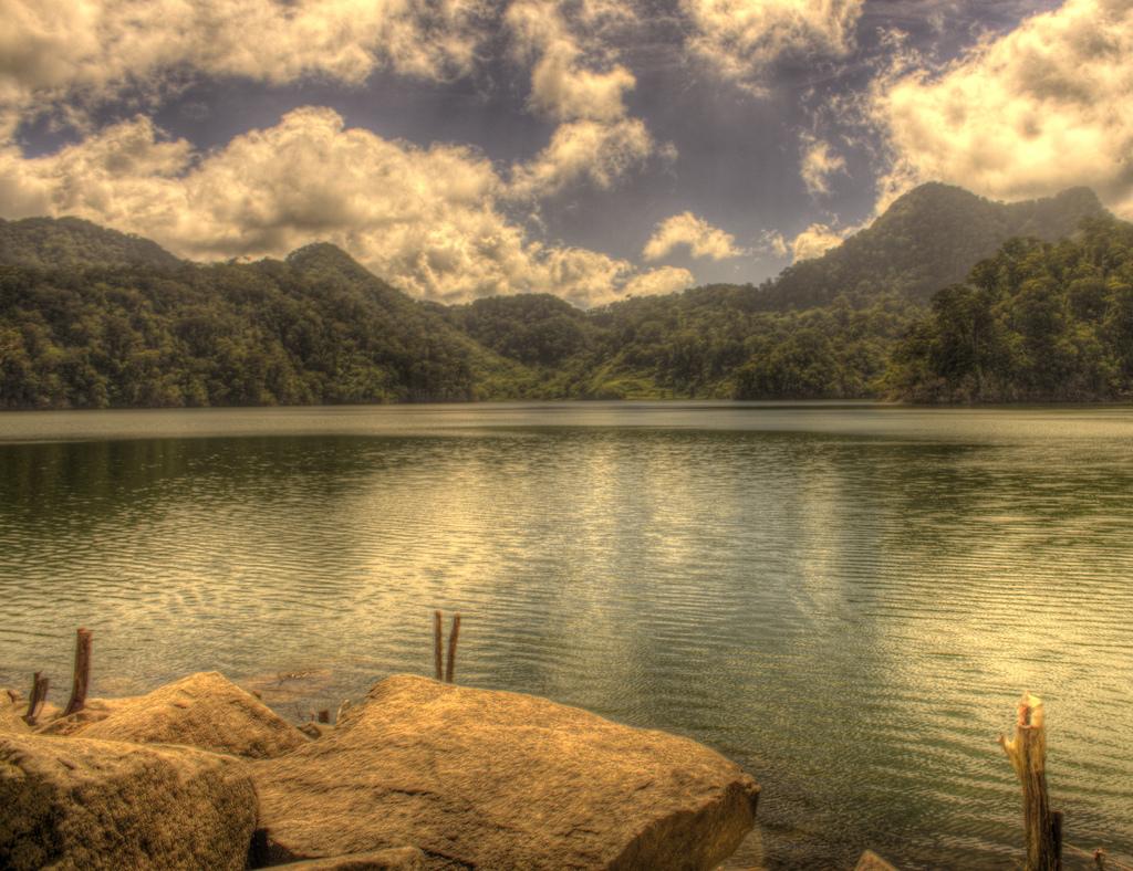 Negros Oriental, Lake Balinsasayao