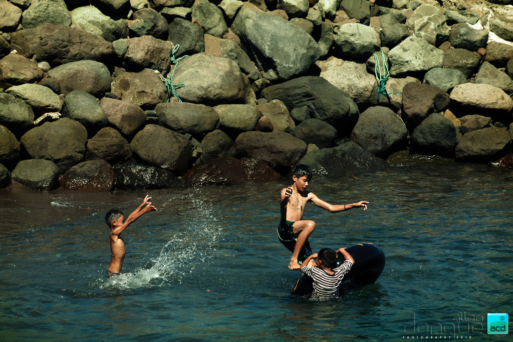 Child play at Tangub Hot Spring