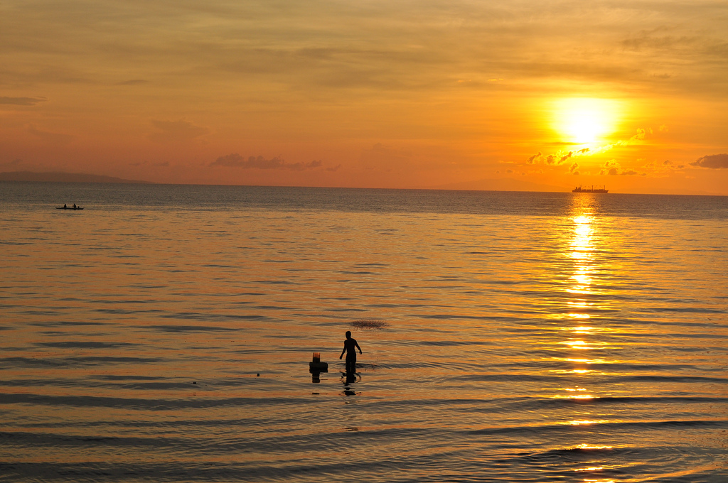 Sun, Sea & Fisherman in Danao, Camotes Island