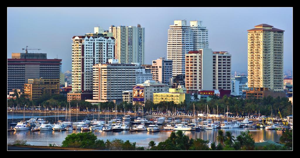 Manila Skyline by Salim Photography/Creative Commons