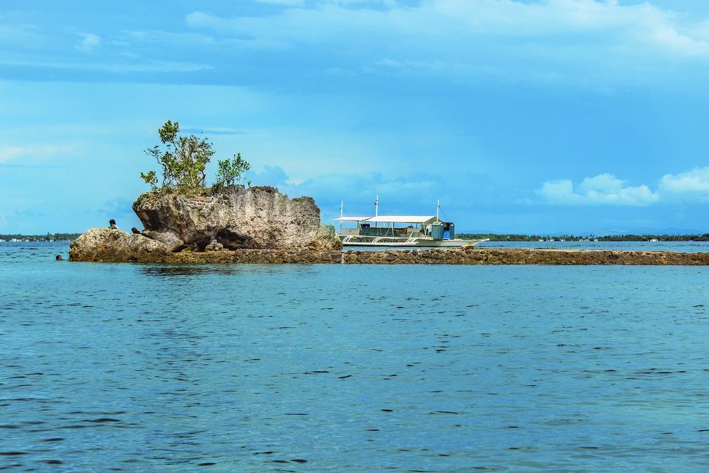 Hadsan Cove by Dagon Hoyohoy/Creative Commons