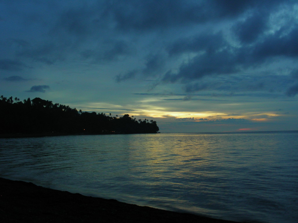 Camiguin Sunset by Mendhak/Creative Commons