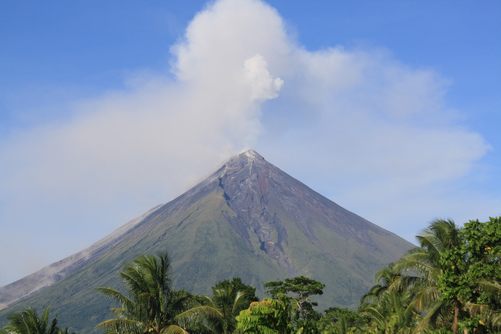 Mayon Volcano by Denvie Balidoy/Creative Commons