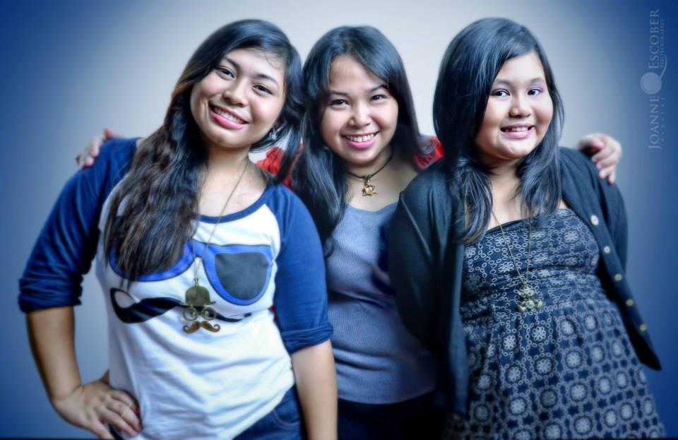 Joanne with daughters Charrie and Ricci Anjoli