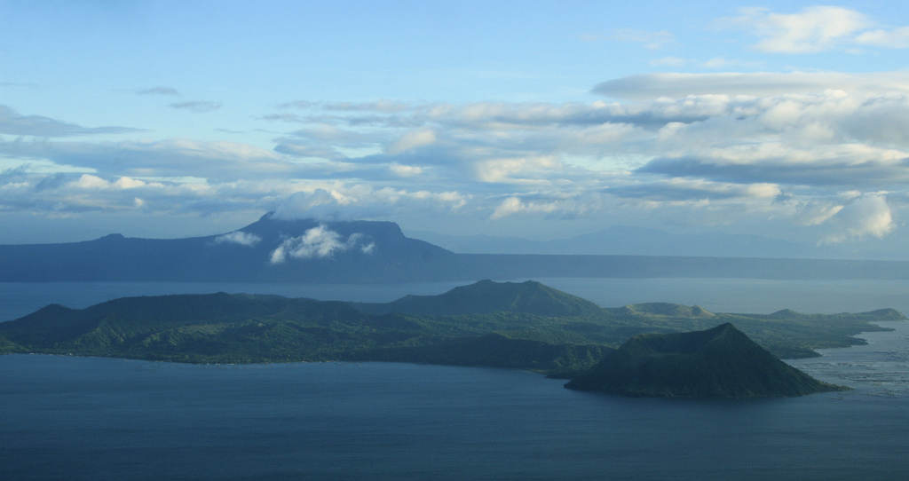 Tagaytay Ridge View by The Wandering Angel/Creative Commons