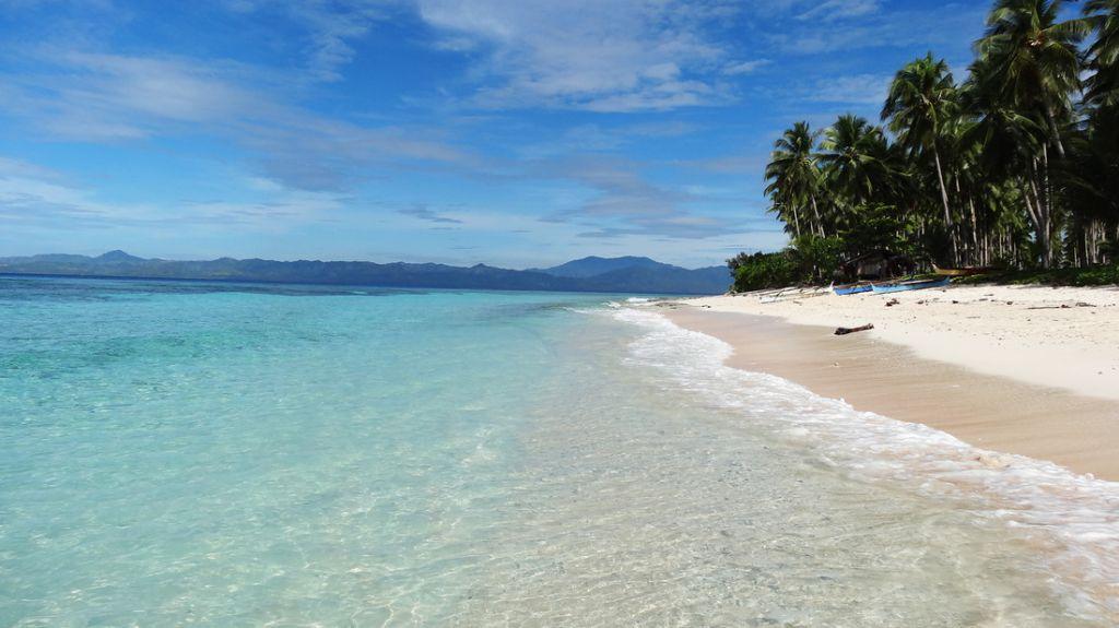 paradise island of Olanivan