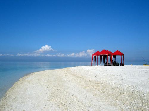 The Agutayan Island Photo by:boyetstour.blogspot.com