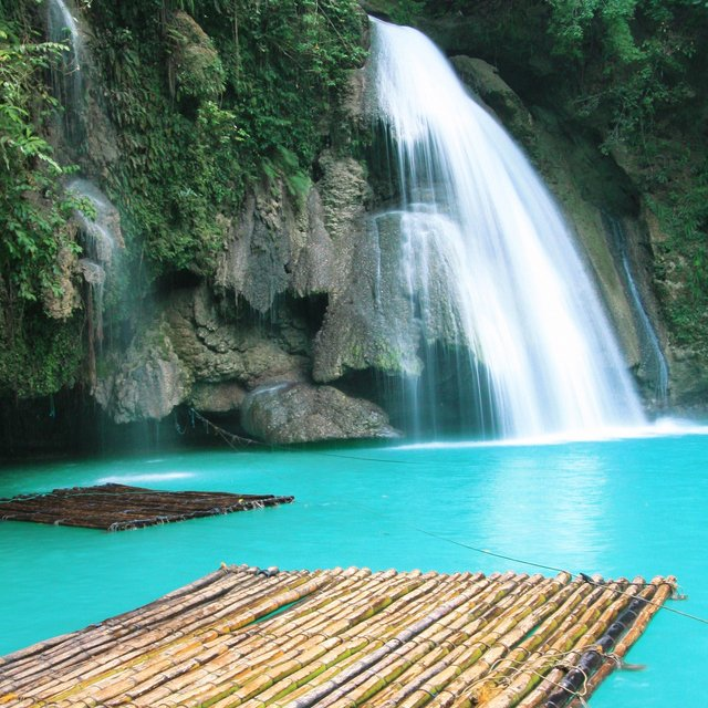 Kawasan Falls Photo by: skybambi.wordpress.com/Creative Commons