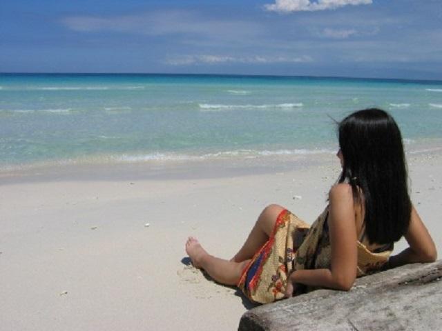 Alano White Beach, Malamawi Is., Isabela City, Basilan  Photo by:Jjarivera/Creative Commons