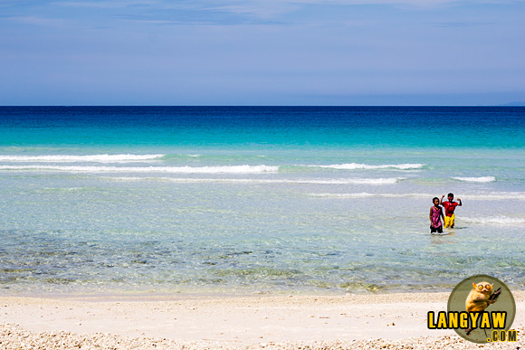 White sand, beautiful tropical waters, Malamawi Island white sand beach in Basilan Photo by: langyaw.com