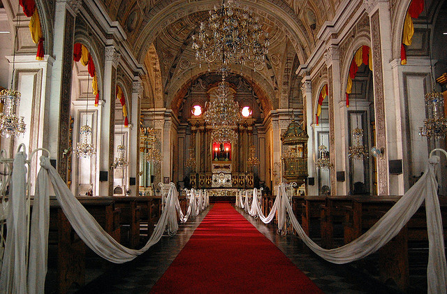 The main altar Image source: Shubert Ciencia/Flickr  creative commons