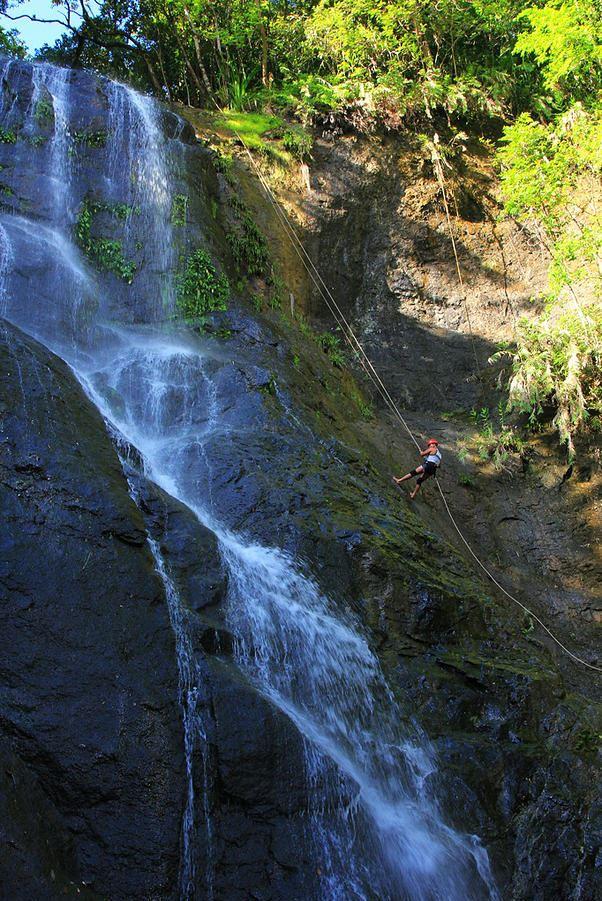 Rappelling at Kansuriyaw Falls Image source: www.goborongan.com/