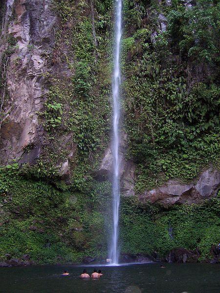 Katibawasan Falls Image source: Bing Ramos/Creative Commons