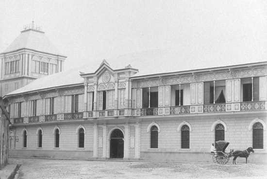 Colegio San Juan de Letran, Manila (1880) photo by: Rafael Minuesa of Flickr.com/Creative Commons