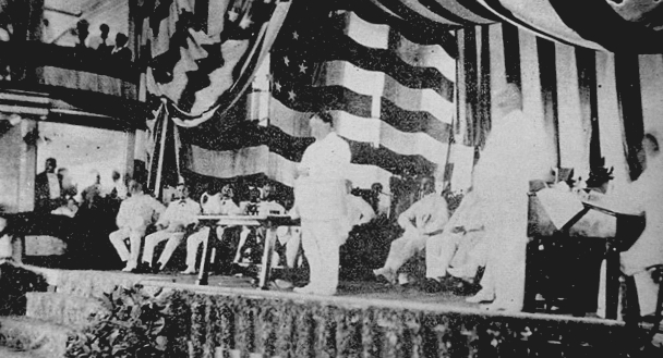 William Howard Taft addressing the audience at the Philippine Assembly in the Manila Grand Opera House. Author: Unknown/Creative Commons