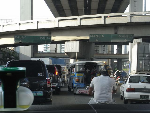 Manila Traffic Photo by: Gordon Wrigley of Flickr.com/CC