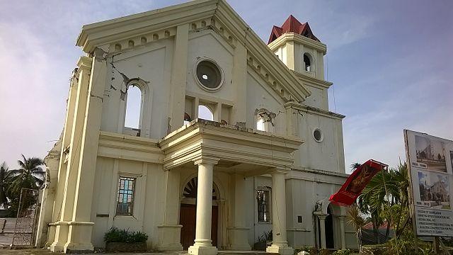 Remains of Clarin church post-2013 earthquake Photo by: John Martin PERRY/CC