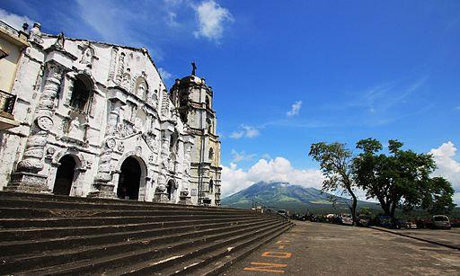 Daraga Church  Photo by: TheCoffee /Wikimedia Commons Junsierra