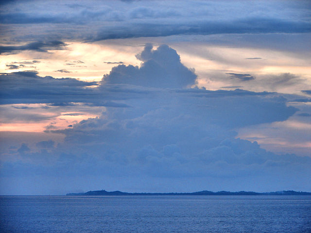 Jintotolo Island as seen from the south-east, Masbate Province Photo by: P199/Wikimedia Commons