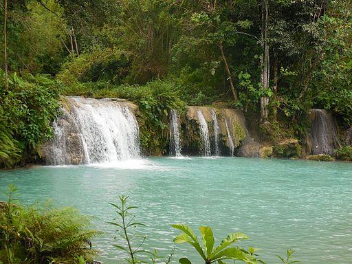 Cambugahay Falls Photo by: Lawrence ruiz/Wikimedia Commons