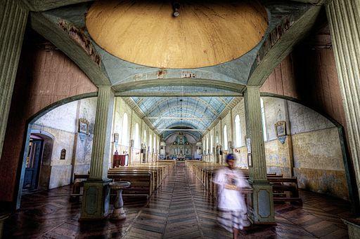 Inside of San Isidro Labrador Parish Church Photo by: Carmelobayarcal/Wikimedia Commons