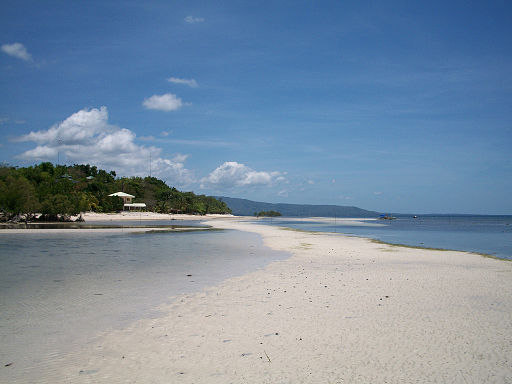 Larena, Siquijor - Sandugan Beach Photo by: P199/Wikimedia Commons