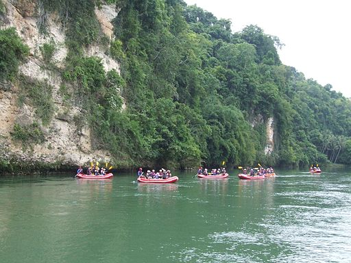 Cagayan River White Water Rafting Photo by: Kleomarlo/Wikimedia Commons