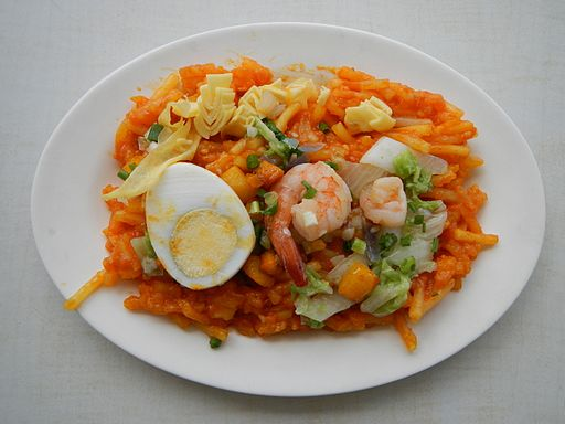 Pansit Palabok Photo by: Ramon FVelasquez/Wikimedia Commons